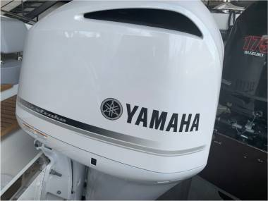 Motor Yamaha F300BETU NCA2 White Ref N240AM Altro