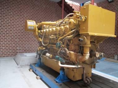 CATERPILLAR 3516B-DITA 8KN00120 2000 HP a 1.800 RPM Motori