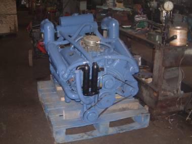 CRUSADER V 8 330 HP Motori