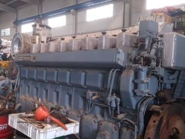 Wartsila 8R22 of 1600 hp to 900 r.p.m Motori