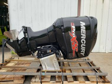 2015 Mercury 250L HP ProXS 2 stroke outboard boat engine Model 1250P73BD Motori