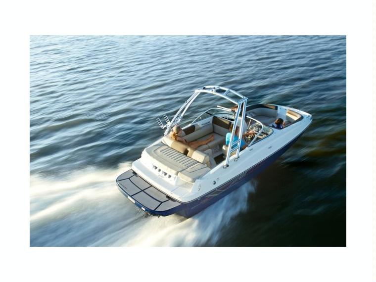 Bayliner 195 Deck Boat Imbarcazione aperta