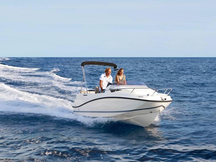 Quicksilver Activ 505 Cabin Imbarcazione cabinata