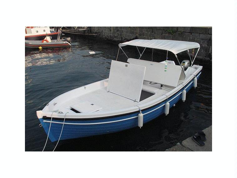 Barca gozzo ponza 600 inautia for Barca lancia vetroresina