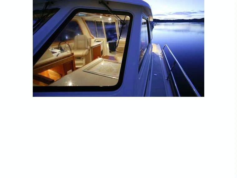 Barca Sabre 38 Express Motor Yacht Inautia