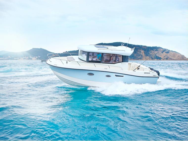 Quicksilver Captur 905 Pilothouse Imbarcazione cabinata