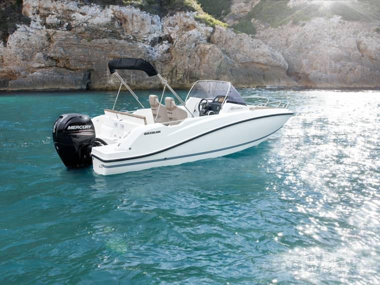 Quicksilver Activ 605 Sundeck Imbarcazione cabinata