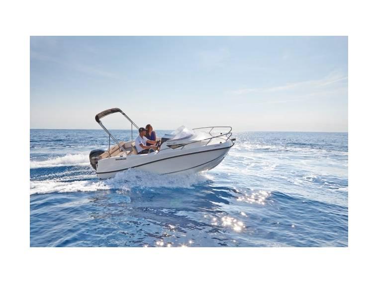 Quicksilver Activ 455 Cabin Imbarcazione aperta