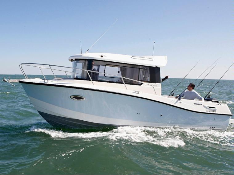 Quicksilver Captur 755 Pilothouse Barca da pesca