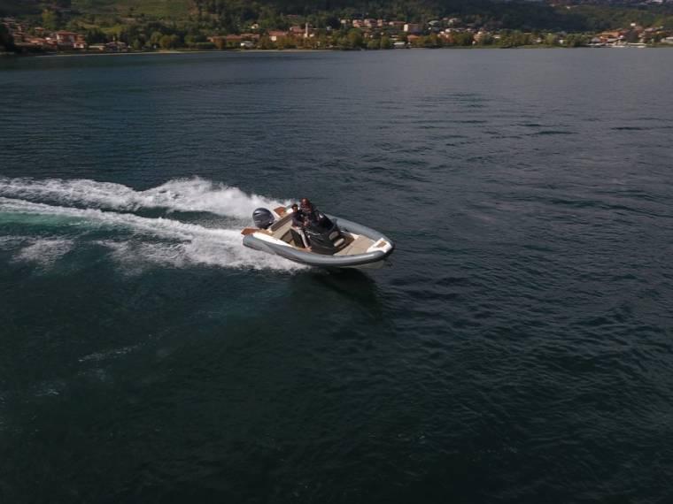 LOMAC Adrenalina 7.0 Imbarcazione semirigida