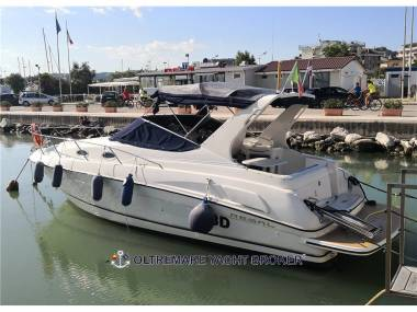 REGAL MARINE 292 COMMODORE