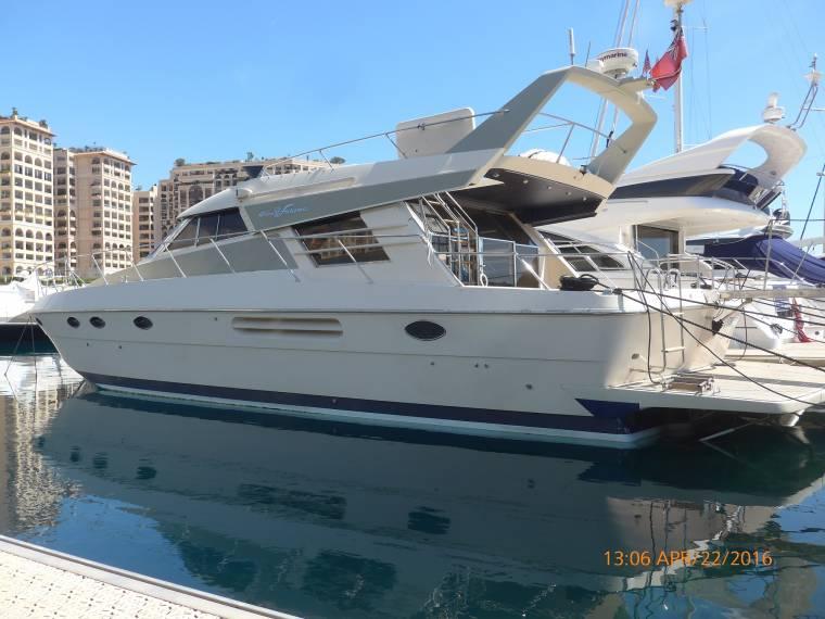 Riva furama 58 piedi in piemonte imbarcazioni cabinate for Planimetrie da 2500 piedi quadrati