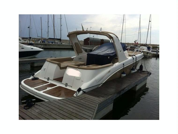 Mano marine 27 50 efb in italia barche a motore usate for Cabine marine di grandi orsi