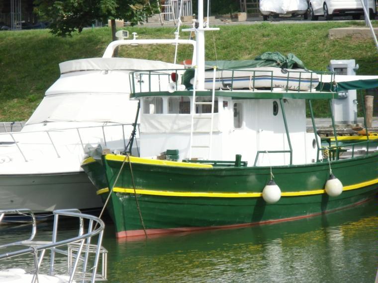 Peschereccio da diporto in pto lavagna barche a motore for Barche al largo con cabine