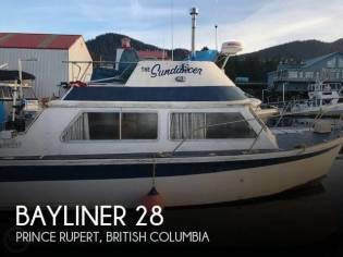 Bayliner Victoria 2750 Command Bridge
