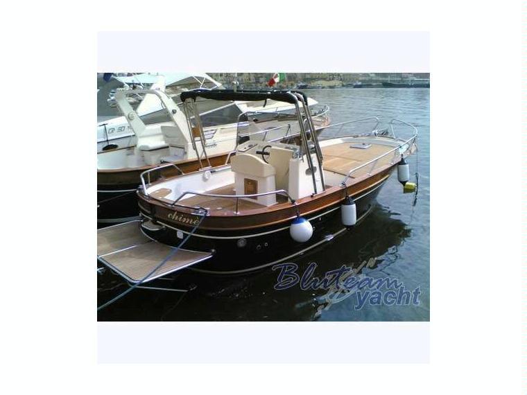 Acquamarina open in liguria barche a motore usate for Barche al largo con cabine