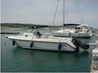 BOSTON WHALER BOSTON OUTRAGE 28'