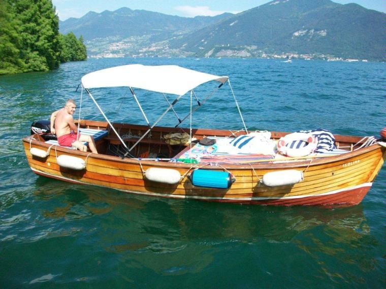lancia in mogano archetti in lombardia barche a motore