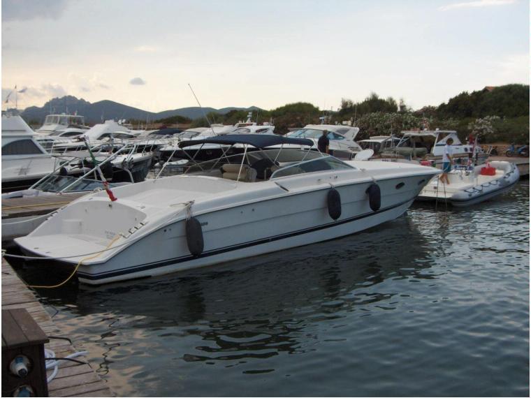Tornado 44 in italia barche a motore usate 34948 inautia for Barca tornado 50