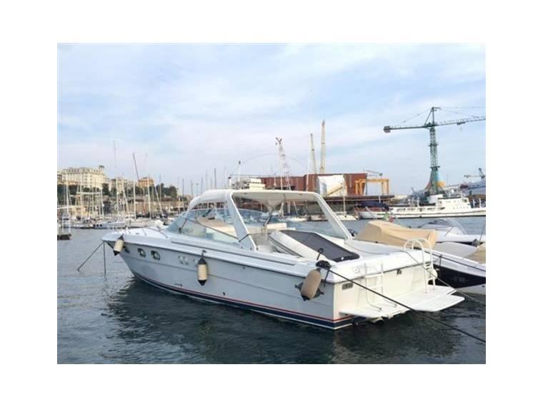 Magnum marine magnum 40 in italia barche a motore usate for Cabine marine di grandi orsi