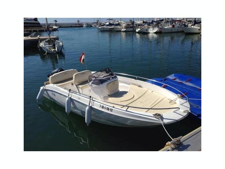 Sessa open key largo one in germania barche a motore for Barche al largo con cabine