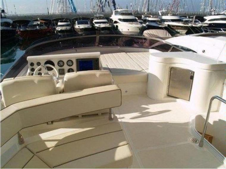 Enterprise marine 600 in italia imbarcazioni da crociera for Cabine marine di grandi orsi