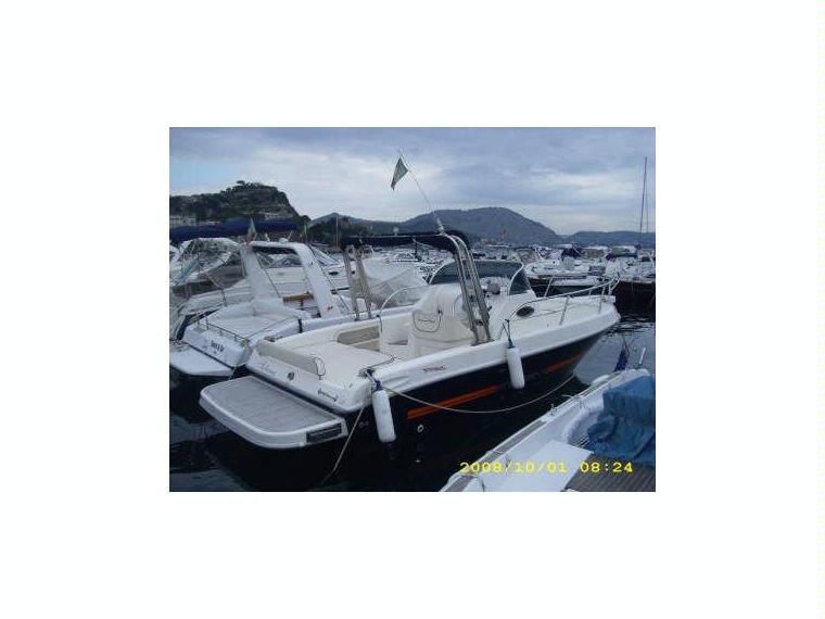 Terminal boat 24 in campania barche a motore usate 55555 for Barche al largo con cabine