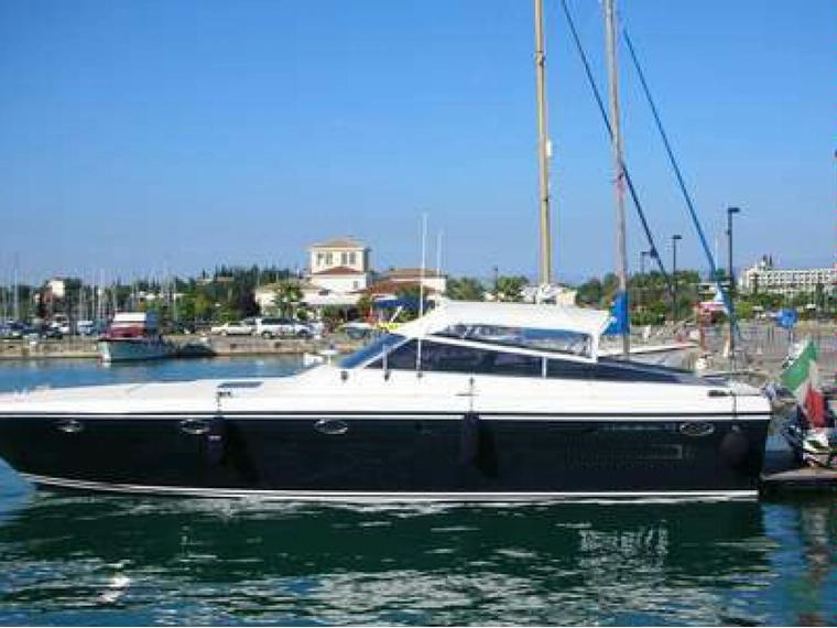 Itama itama 45 in toscana barche a motore usate 49571 for Barche al largo con cabine