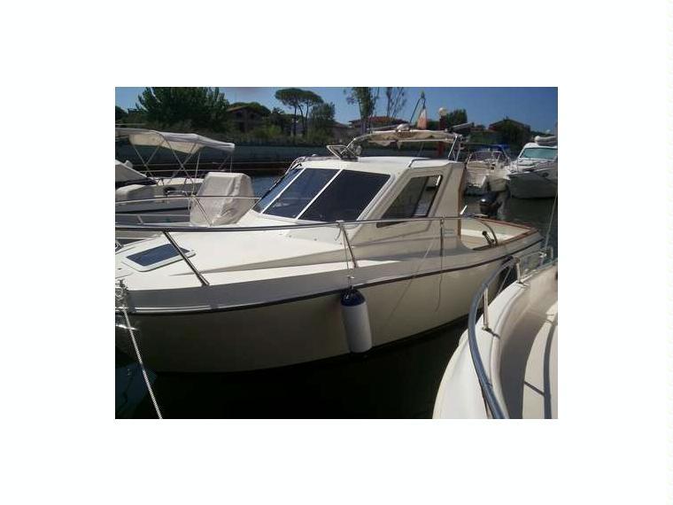 Giglio 21 in toscana barche a motore usate 54545 inautia for Cabine di giglio selvatico