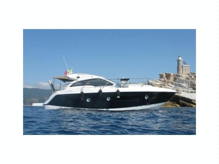 Sessa marine c 35 sport coupe 39 in italia barche a motore for Cabine marine di grandi orsi