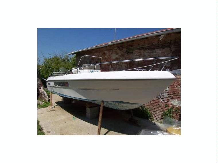 Sessa key largo 18 in toscana barche a motore usate for Barche al largo con cabine