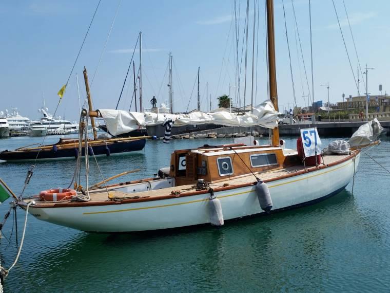 Barca a vela d epoca beltrami 9m in pto maurizio cutters for Accessori per barca a vela