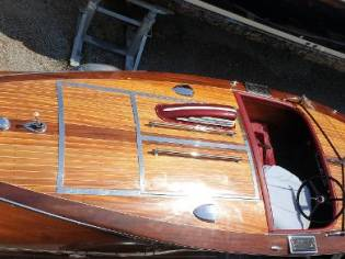 Chris-Craft race boat