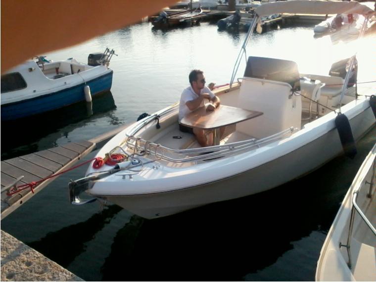 Open in m chioggia barche a motore usate 65655 inautia for Barche al largo con cabine