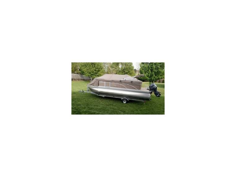 20SLX Pontoon Boat