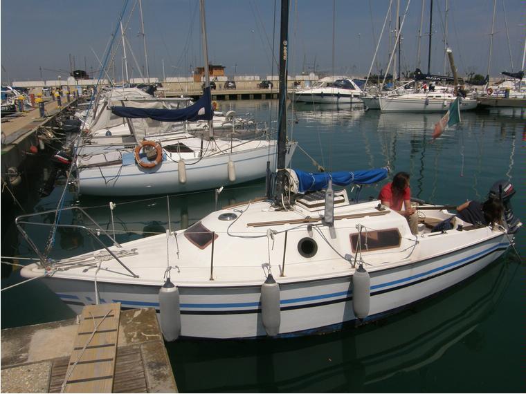 Franchini f7 in m ortona barche a vela usate 54665 for Barche al largo con cabine