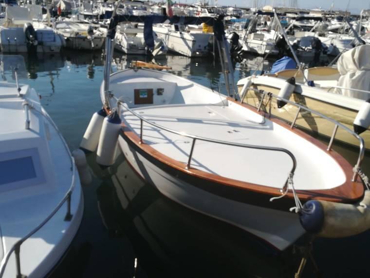 Gozzo vtr in pto agropoli barche da pesca day fishing for Barca lancia vetroresina