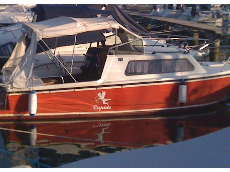 Pilotina karim in m hannibal barche a motore usate for Barche al largo con cabine