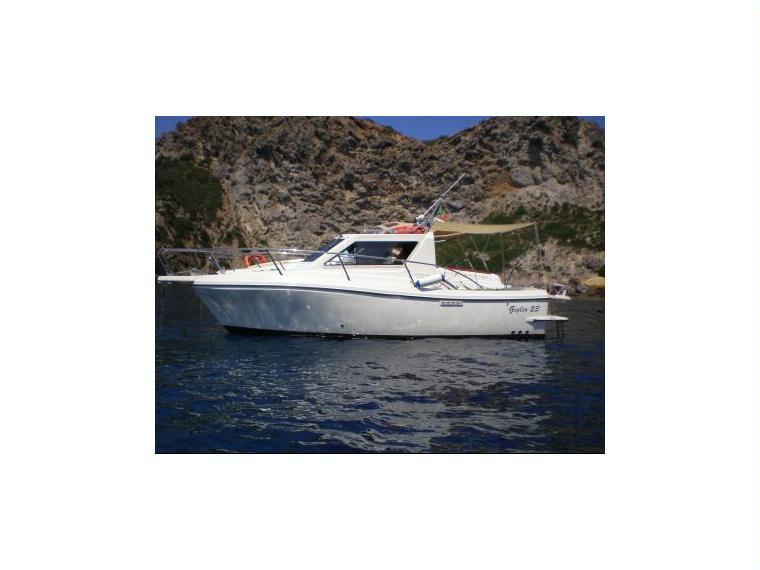 Giglio 23 in m scarlino barche a motore usate 65566 for Cabine di giglio selvatico