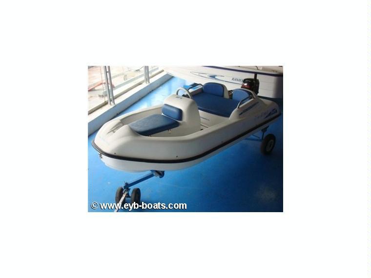 Sur marine 3 bahia in trentino alto adige barche a for Cabine marine di grandi orsi
