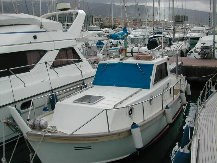Sciallino 27 in liguria barche a motore usate 53704 for Barche al largo con cabine