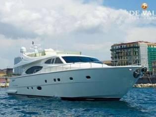 Ferretti Yachts 760
