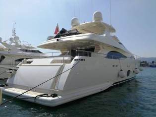 Ferretti Yachts 97 CL