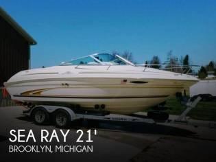 Sea Ray 215 Express Cruiser