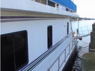 New Orleans Custom Houseboat