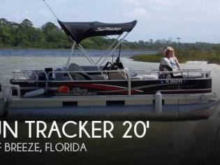 Sun Tracker 18 DLX Bass Buggy