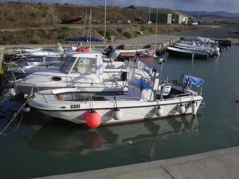 Tripesce tr 21 in m riva di traiano civitavecchia for Barche al largo con cabine