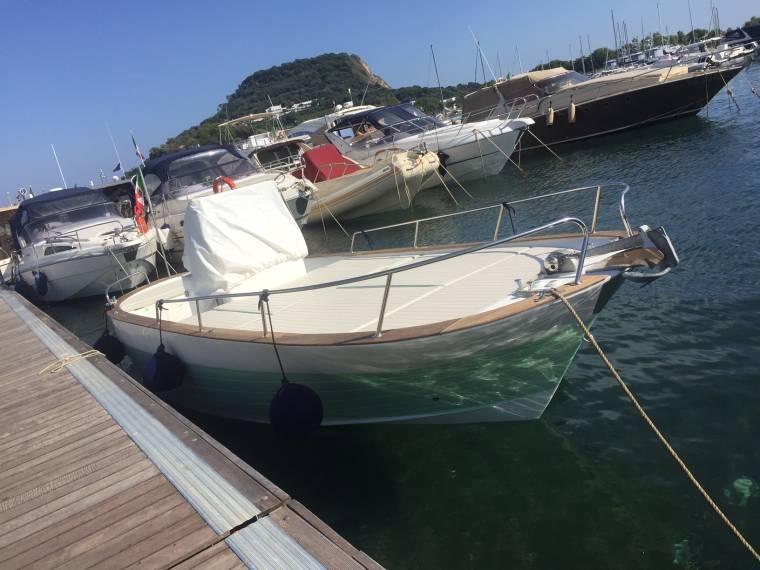 Gozzo est marine in campania barche da pesca day for Cabine marine di grandi orsi