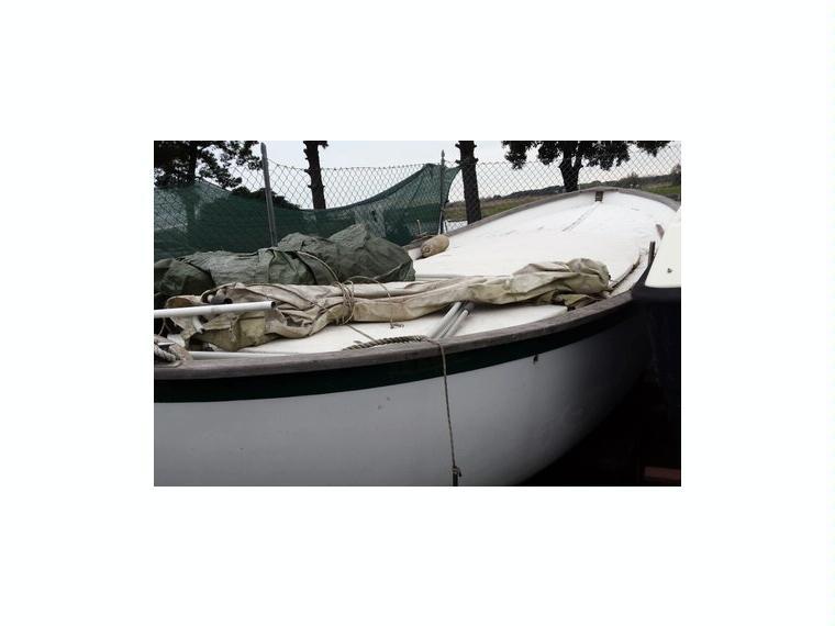 Gozzo cantiere gavazzi di 7mt in vetroresina in toscana for Gozzo motore entrobordo
