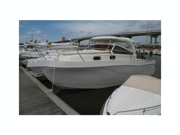 Pharos t top 80 in italia barche a motore usate 52521 for Cabine marine di grandi orsi